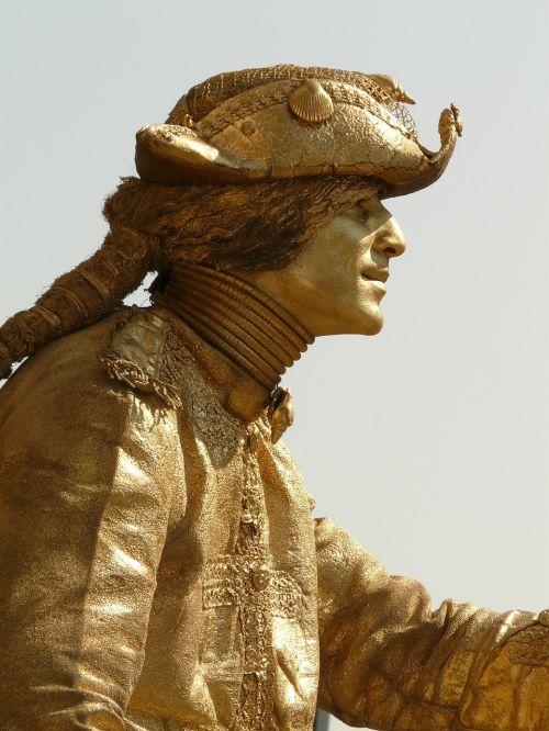 street artists living statue statue