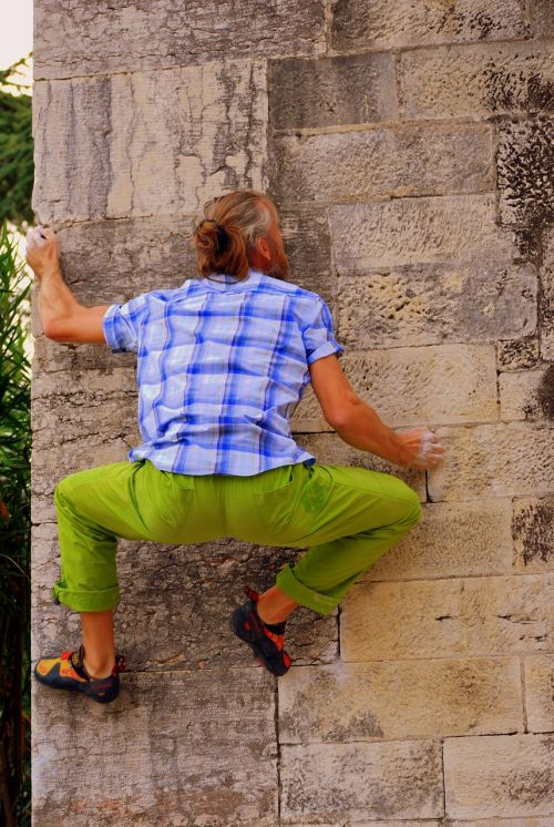 street boulder rock climbing wall
