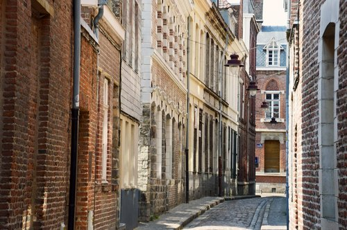street coquerez  old lille  district of vieux-lille