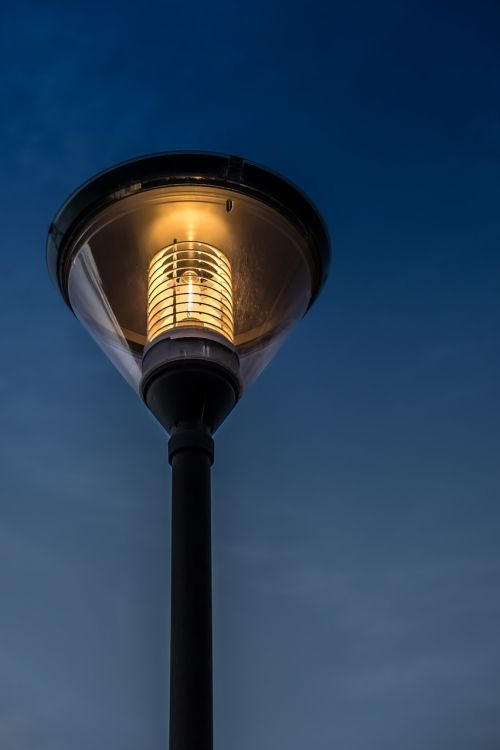 gatvės lempa,šiuolaikiška,šviesa,saulėlydis,šiluma,šiluma,miestas,miesto,Ispanija,modernus menas