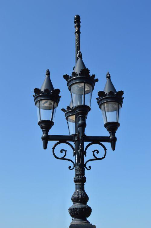 street lamp french light
