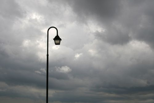 street light rain urban