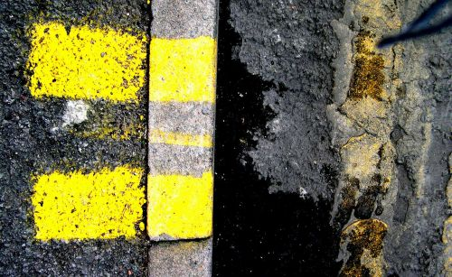 street markings manchester city yellow