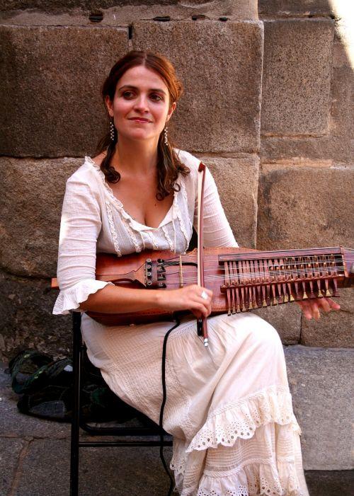 street musician toledo spain keyed violin