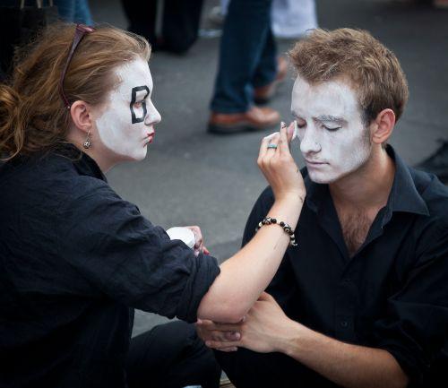 street performers edinburgh fringe actors