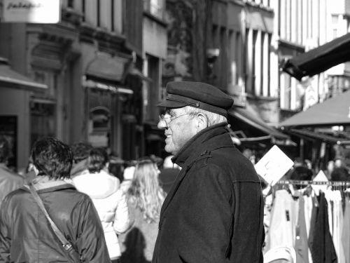 street photography antwerp street