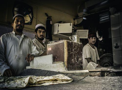 street photography dubai arab