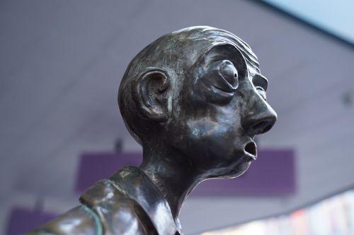 street sculpture three businessmen melbourne city