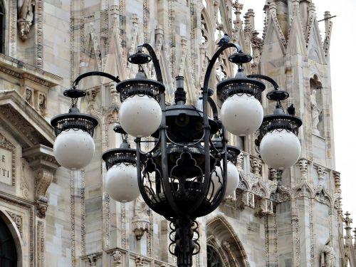 streetlamp milan duomo