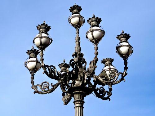 streetlamp vatican st peter's square