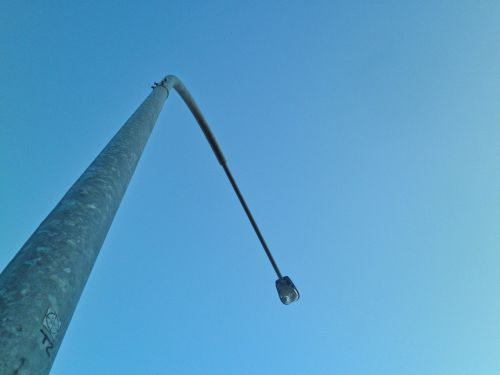 streetlamp outdoor cloudless