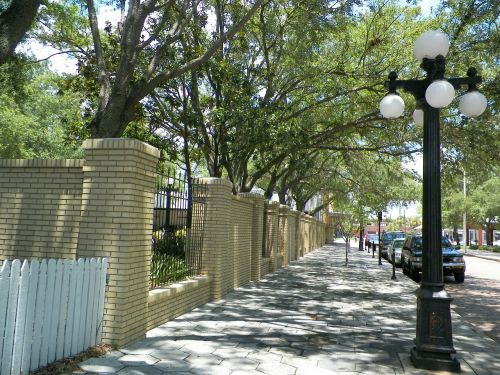 streetlight sidewalk light