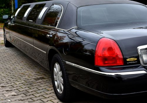 stretch limousine noble lincoln