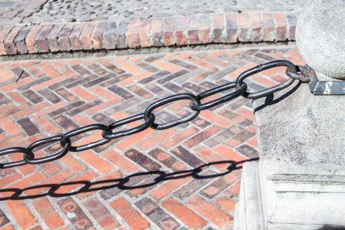 string brick architecture
