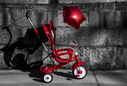 stroller red balloon