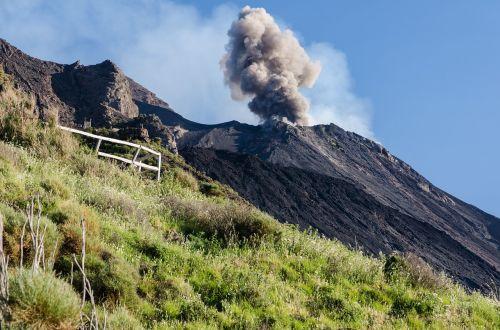 stromboli sicily the volcano