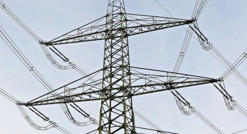 strommast maximum voltage 380kv