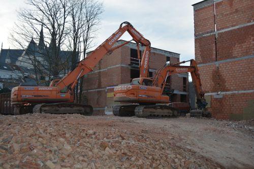 structures excavators wall