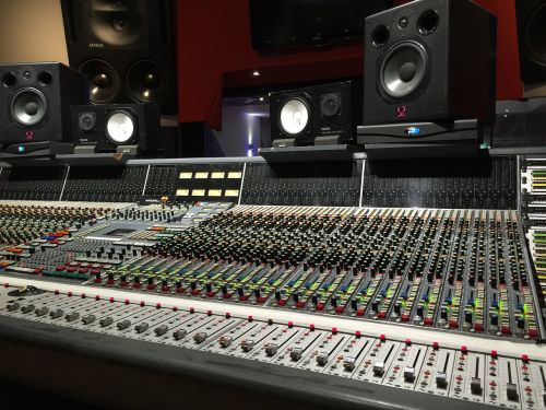 studio mixing console sound