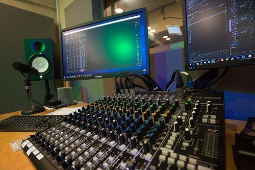 studio  recoding  record