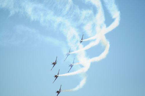 stunt plane aerobatics