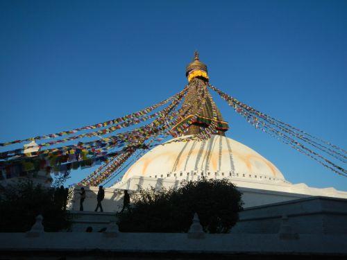 stupa nepal pray