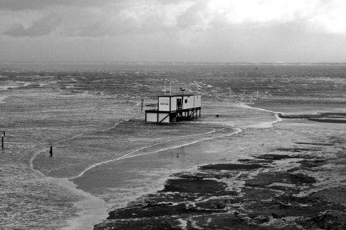 sturmflut blanker hans north sea coast