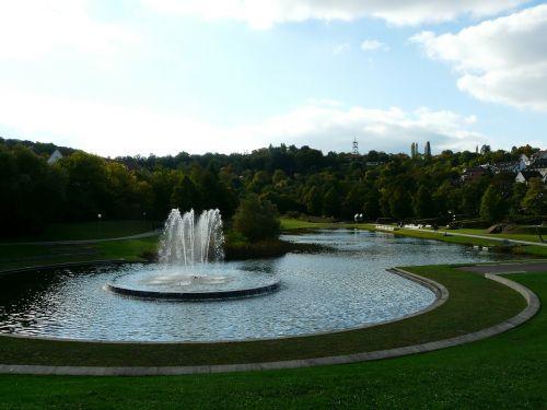 stuttgart fountain rose stone park