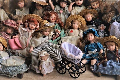 stylish  dolls  nostalgia