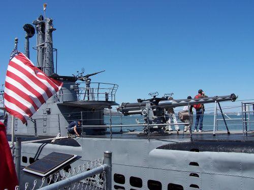 povandeninis laivas,pistoletas,laivas,valtis,vėliava,kariuomenė,karas,ginklas,karinis jūrų laivynas,jūra,jūrų,karinis jūrų laivynas,vandenynas,vanduo,laivas,istorija,plaukiojantieji