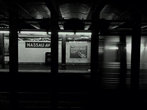 subway platform subway station