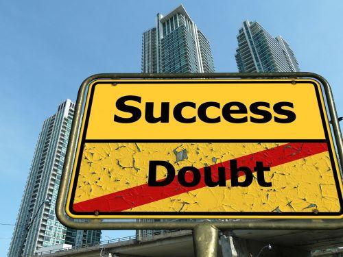 sėkmė,kelio ženklas,kelio zenklas,karjera,pakilti,plėtra,gyvenimo aprašymas,gyvenimo būdas,bumas,pakilimas,progresas,Eik pirmyn,gyvenimo būdas,ekonomika