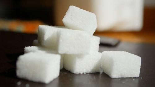 sugar  sugar cube  sugar lumps