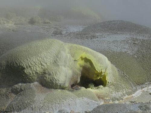 siera,rotora,dujos,toksiškas,vulkanizmas,vulkaninis,Naujoji Zelandija,geltona,šiaurinė sala,mineralai,karštas šaltinis