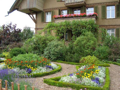 sumiswald farmhouse garden