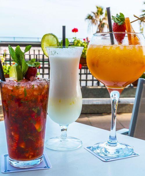 summer cocktail drink