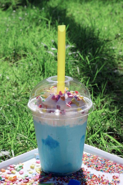 summer glass cocktail