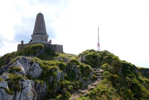greened hunter monument summit