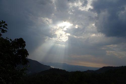 sun beam cloud