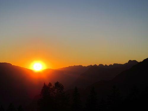 sun sunset mountains