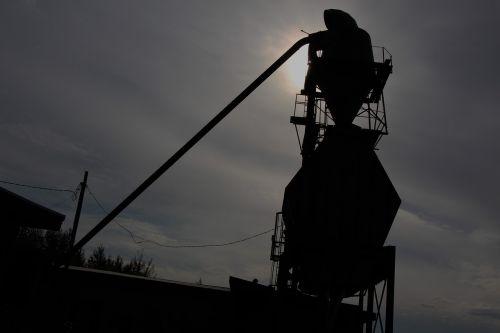 sun salvage yard metal