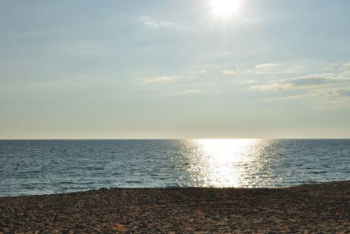 sun sea back light