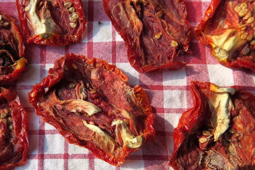 sun dried tomatoes  red  eat