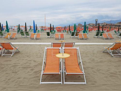 sun loungers orange viareggio