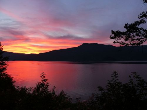 sun rise canim lake british columbia