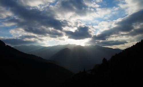 sunbeams landscape light