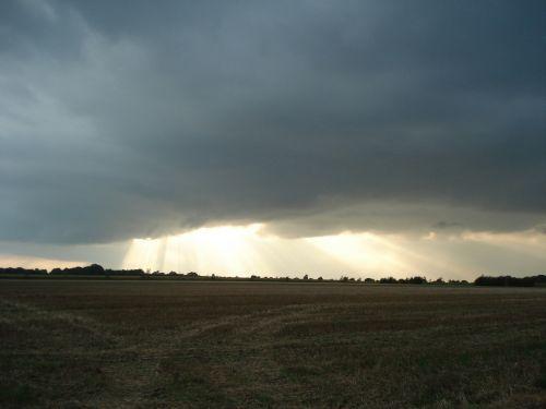 sunburst clouds sun