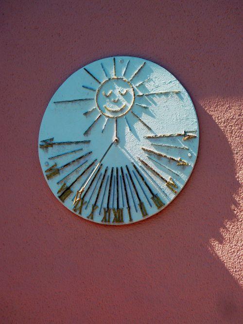 sundial clock time