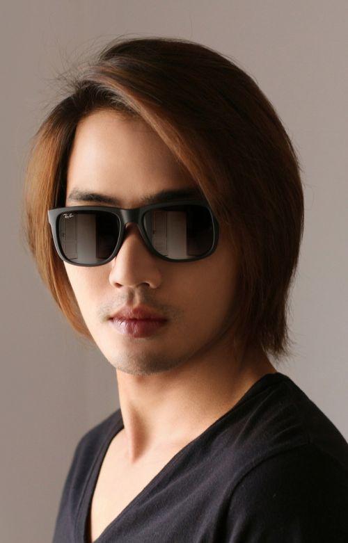 sunglasses face stand alone