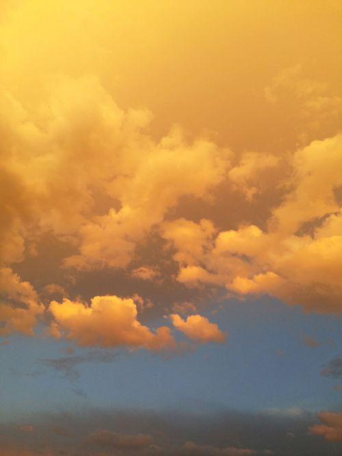 saulėtas dangus,geltonas dangus,dangus peizažas,mėlynas ir geltonas dangus,geltoni debesys,mėlynas dangus,saulėtas,geltona,dangus,mėlynas,lauke,diena,debesis,spalvinga,scena
